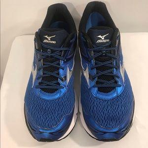 Mizuno Running Shoes Men's Wave Inspire Size 15